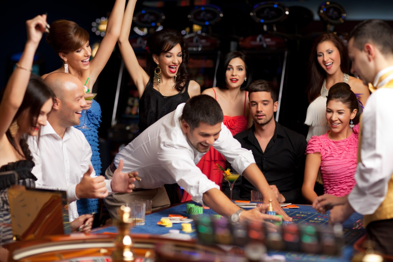Онлайн казино, игровые автоматы онлайн, игровой клуб СпинСити, азартные игры, слоты